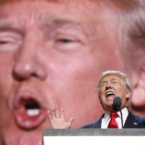 Donald Trump talar på republikanernas partikonvent i Cleveland 2016.