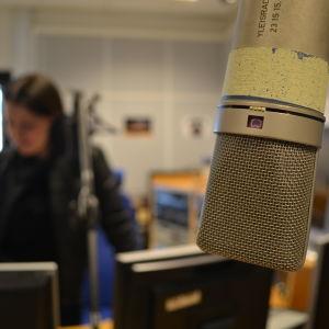 Programvärd i radiostudio