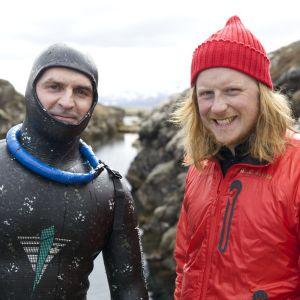 Tom Nylund på Island för att testa fridykning.