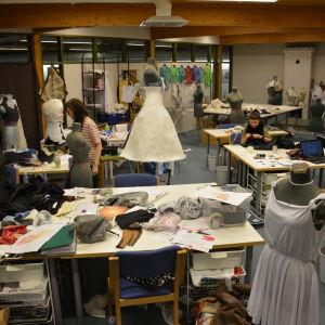 Modlinjen vid Västra Nylands folkhögskola i Karis har 12 studeranden hösten 2014 och våren 2015.