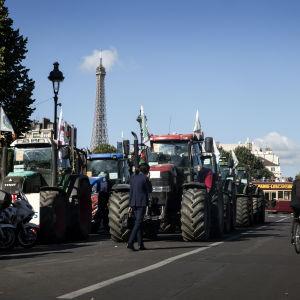 Traktorprotest i Paris.