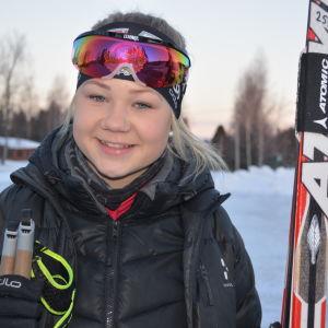 Emelie Svenlin åker skidor för IK Kronan. Vinter 2014-2015.