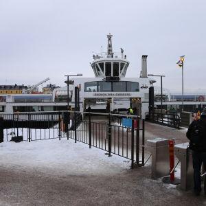 Sveaborgsfärjan på Sveaborg i mars 2016.