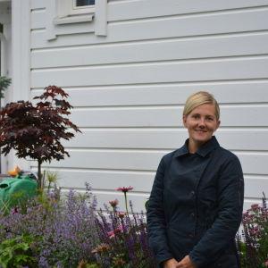 Trädgårdsmästare Hanna Hoijar.