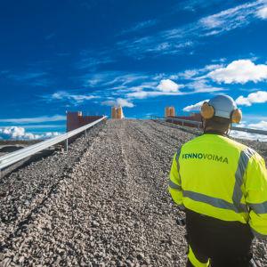 En arbetare på Fennovoimas bygge den 30 augusti 2016.