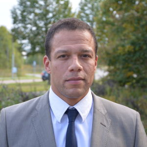 Försvarsdebattör och major, James Mashiri.