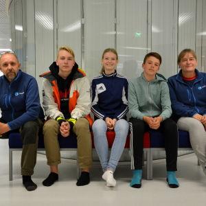 Jan Holmgård, Sebastian Bergman, Louise Nielsen, Malte Enlund och Bente Jensen.