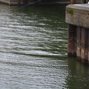 Vattnet vid strömma kanal har sjunkit med en halv meter.