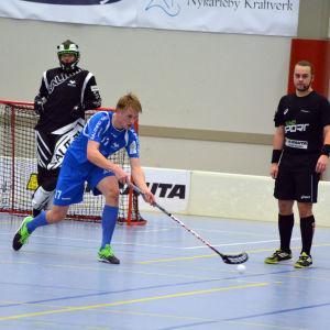 Alexander Nyman är back i Blue Fox och U19-landslaget.