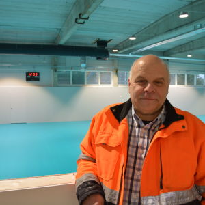 Lasse Nummelin inne i PIF-center