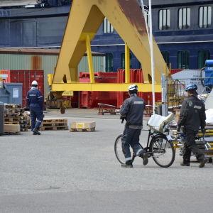 Varvsarbetare på Åbovarvet.