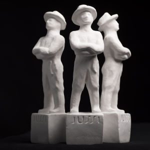 Kolme Jussi-patsasta