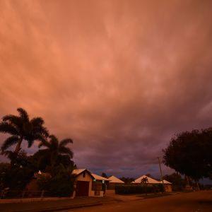 Den tropiska cyklonen Debbie närmade sig staden Ayr i Queensland i Australien den 27 mars 2017.
