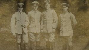 Jägarna Nordenswan, v. Bonsdorff, Schauman och Sahlmann (Salminen)