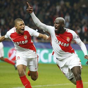 Tiemoue Bakayoko firar mål mot Manchester City