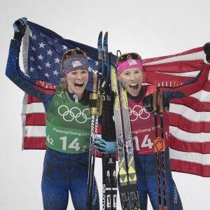 Jessica Diggins och Kikkan Randall körde lagsprint tillsammans.
