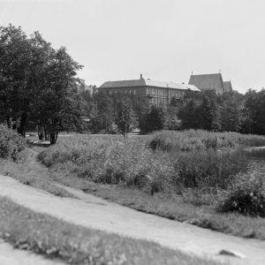 I. K. Inhan valokuvassa Töölönlahden pohjoispäätä
