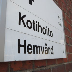 Skylt med texten Kotihoito - Hemvård
