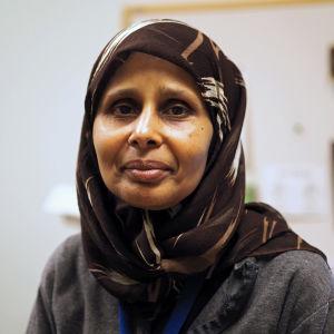Porträtt på  akademiforskaren Mulki Al-Sharmani som tillträder ny lektorstjänst vid teologiska fakulteten i höst.