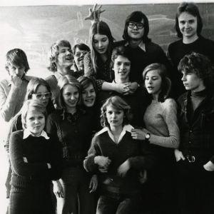 Taru Mäkelän luokkakuva 1970-luvulta Töölön Yhteiskoulusta