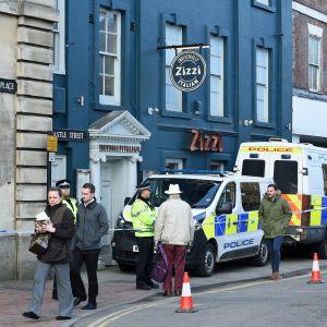 På fredagen bevakade polisen den italienska restaurang där Sergej Skripal och hans dotter åt på söndagen.