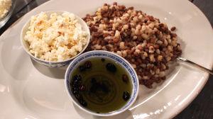Cambyloo iyo bun - poppareita ja papuja somalialaisittain.