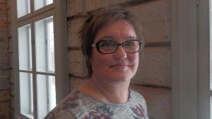 Enhetschef Pia Kotanen vid familjeservicecentralen i Jakobstad