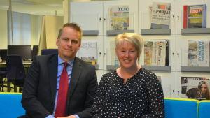 Samuel Broman och Linda Ahlbeck från Korsholmsfullmäktige.