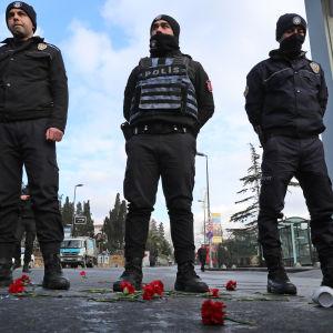 Turkisk polis efter attacken mot nattklubben Reina som skedde på nyårsnatten.