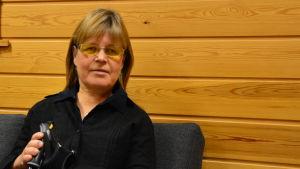 Carita Andersson, informatör för Distriktsföreningen Vasa svenska synskadade r.f.