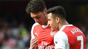 Mesut Özil och Alexis Sánchez.