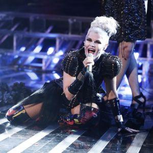 Saara Aalto uppträdde med Lady Gagas Bad Romance i X-factors fright night.