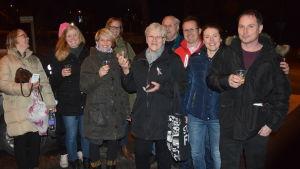 Föräldrar är glada över Raseborgs stads beslut att inte stänga några skolor.