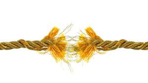 Ett rep som håller på att brista.