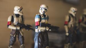 Minatyrmodeller av stormtrupper från Star Wars.