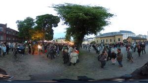 360-graders bild tagen av en grupp människor.