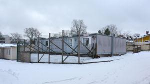 Baracker på Sirkkala skolas gård