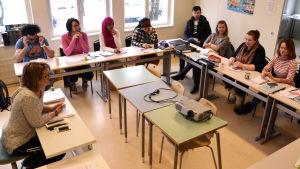 Borgå folkakademis invandrarlinje har lektion