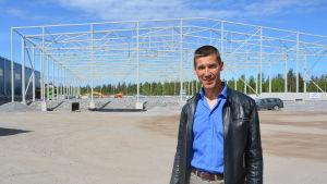 Ben Antell, Teknisk direktör i Korsholm, vid Fågelbergets industriområde.