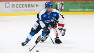 Nu gäller det för Bernard Isiguzo och resten av Finlands U18-landslag, allt står på spel i kvarten mot Tjeckien.