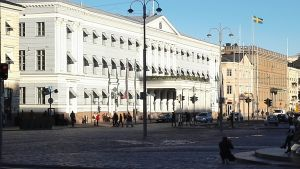 stadshuset och svenska ambassadenpå salutorget i helsingfors