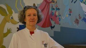 Eeva Salo, infektionsläkare vid Barnkliniken i Helsingfors.
