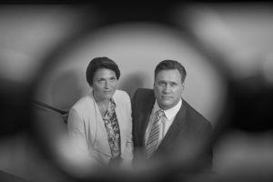 Samuli Edelmann ja Inka Kallén Presidentin kuvauksissa.