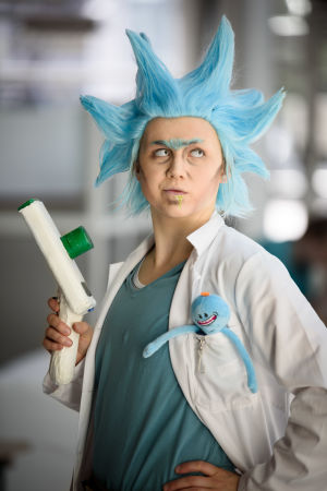 Tiirabird cosplayar som Rick från Rick & Morty