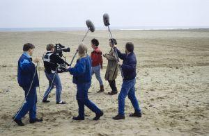 Kuvausryhmä työssä televisiosarja Pakanamaan kartan kuvauksissa Redcarissa, Pohjois Yorkhiressa Isossa-Britanniassa vuonna 1990.