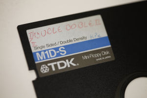 Commodore 64 -pelikopio disketillä.