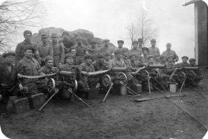 Vita soldater med kulsprutor, 1918