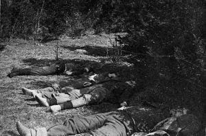 Arkebuserade röda fångar i Västankvarn i Ingå i maj 1918.