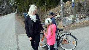 Familjen Karlqvist bor alldeles bredvid Vålaxvägen