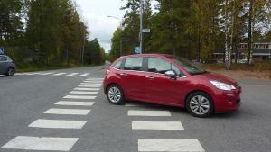 Korsningen Genvägen-Trollbergsvägen i Ekenäs.